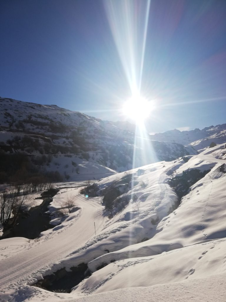 Steven Deschuyteneer Bergwandeling blootvoets een goed idee 2020