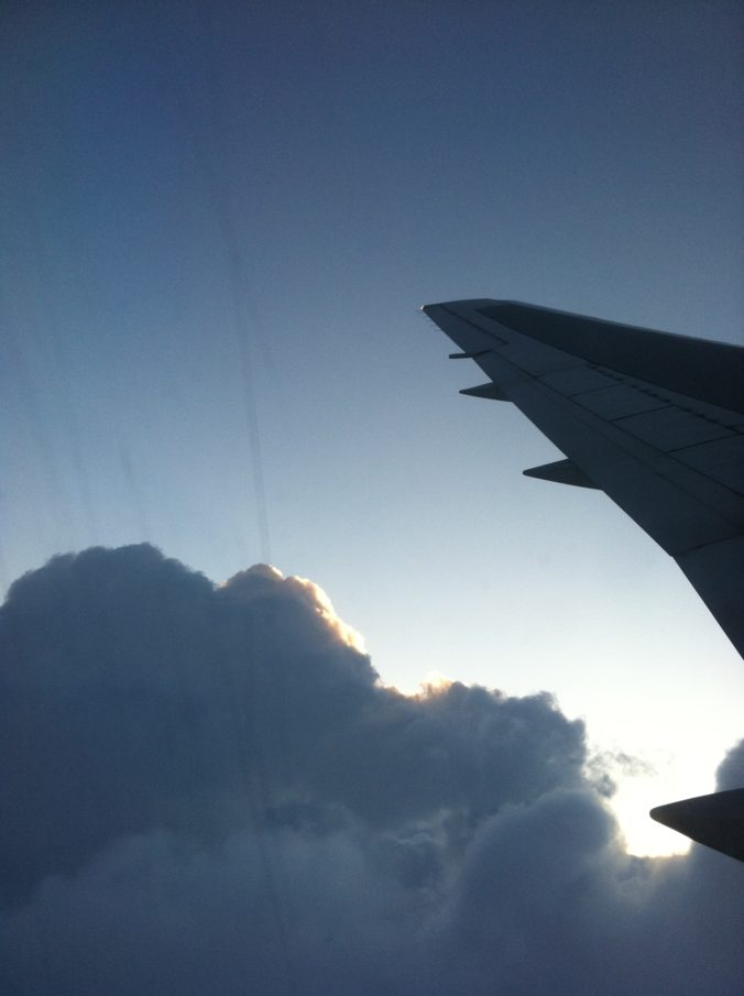 Steven Deschuyteneer Corona situatie en positieve kant ervan vliegtuig