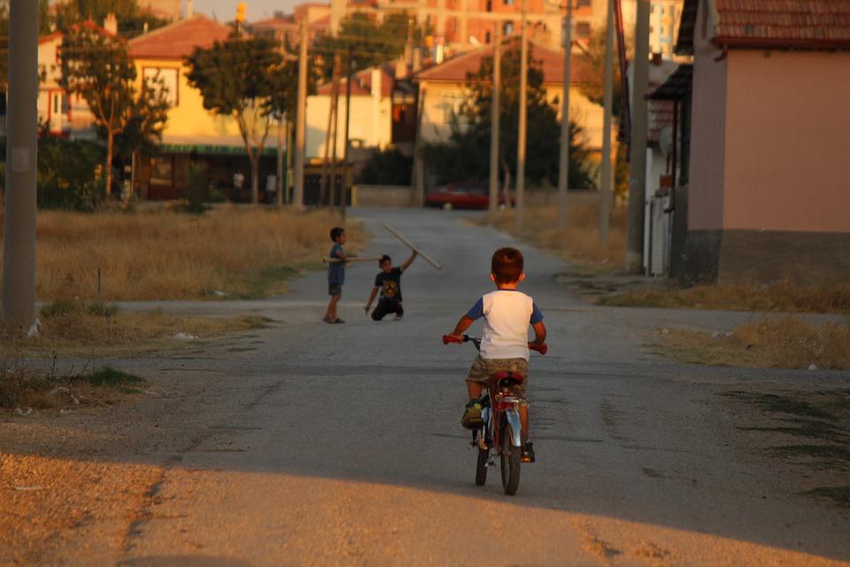 Steven Deschuyteneer Beauvechain en 2030 kinderen spelen