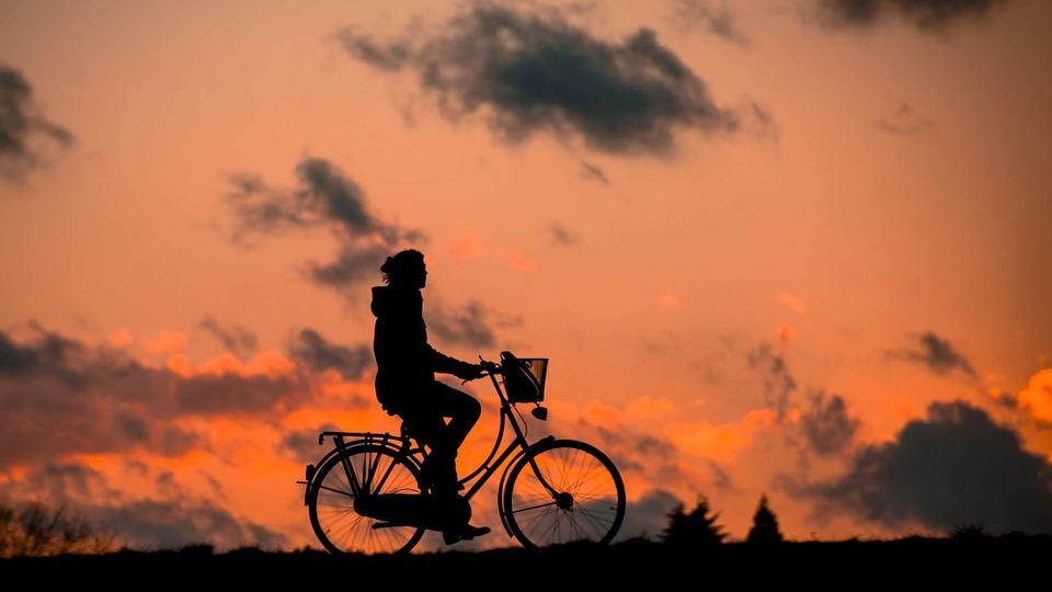 Steven Deschuyteneer Wat leren we door COVID-19 deel 3 fossiele brandstoffen fiets
