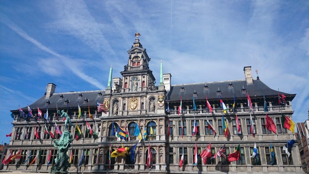 Steven Deschuyteneer Hoeveel lijden van levende wezens brengt een dagje shopping Antwerpen