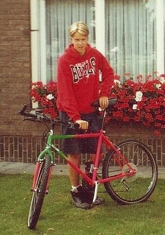 Steven Deschuyteneer Hoe tijd van elke mens een moordenaar maakt fiets