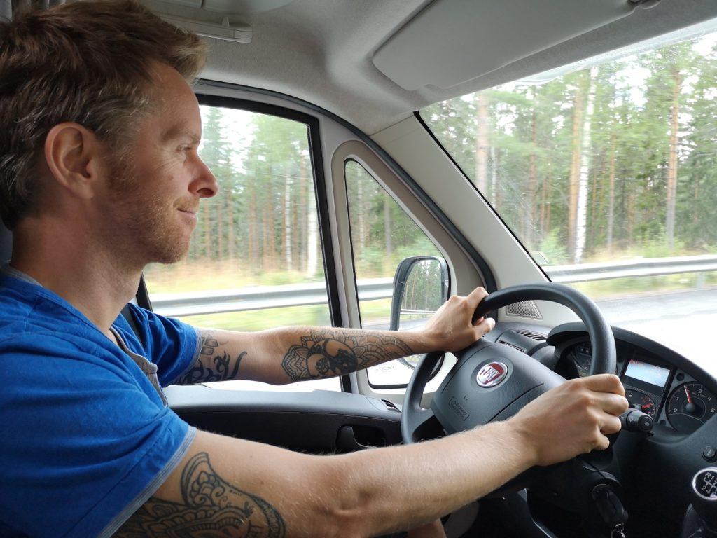 Steven Deschuyteneer Motorhome Mobile Home ervaring Denemarken Zweden Noorwegen camper stuur