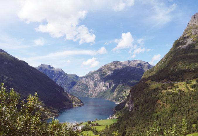 Steven Deschuyteneer Motorhome Mobile Home ervaring Denemarken Zweden Noorwegen Geiranger