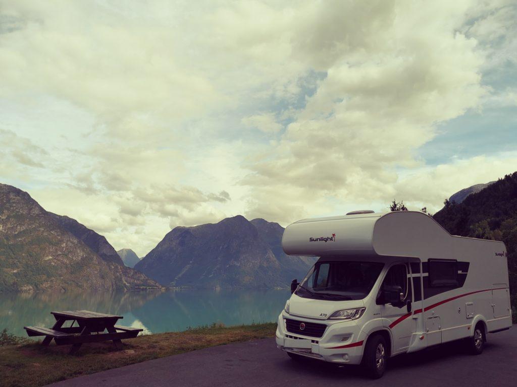 Steven Deschuyteneer Motorhome Mobile Home ervaring Denemarken Zweden Noorwegen Rest Stop Oppstryn
