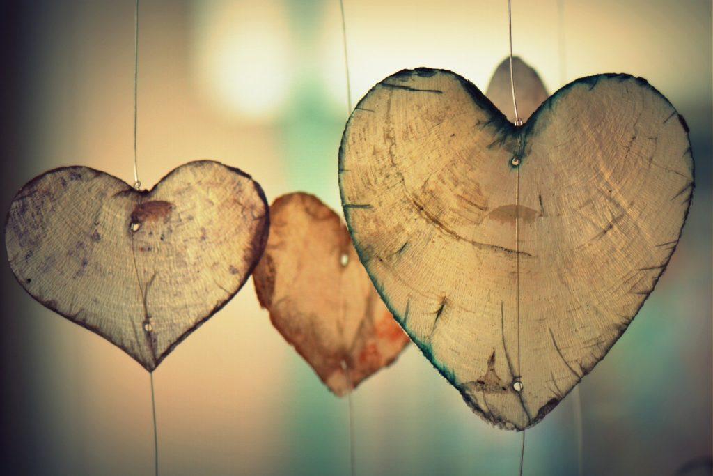 Steven Deschuyteneer Geen kus geen hand nieuwe manier groeten voor betere wereld liefde