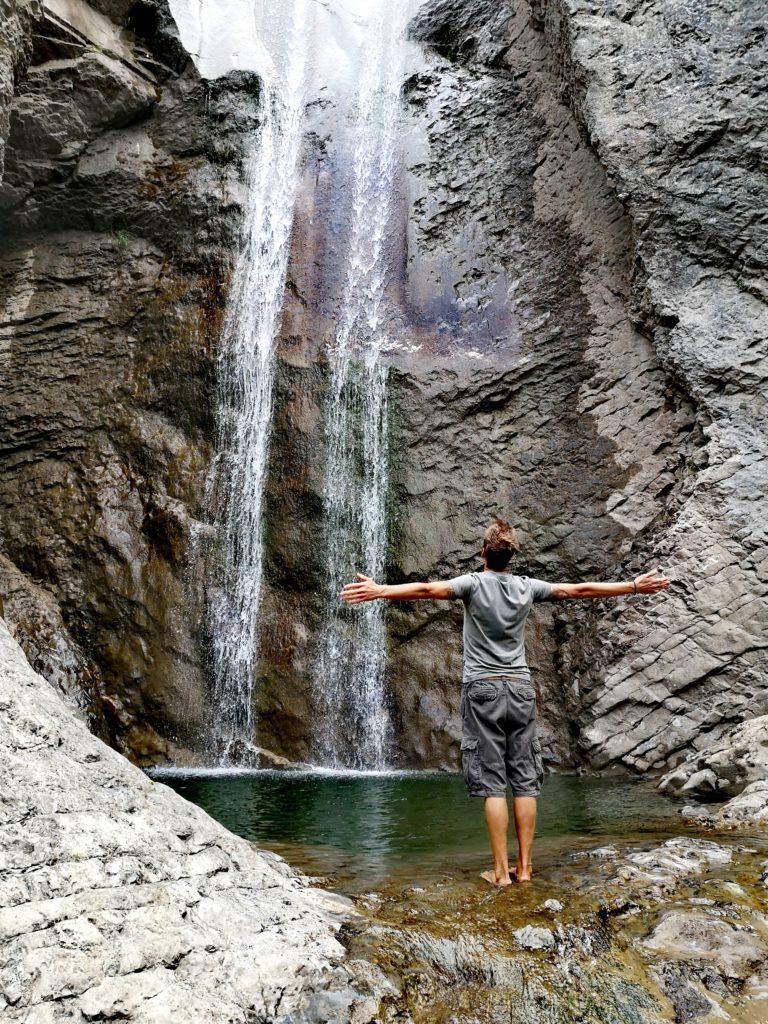 Steven Deschuyteneer In het NU leven hoe doe je dat Hier is een eenvoudige manier waterval