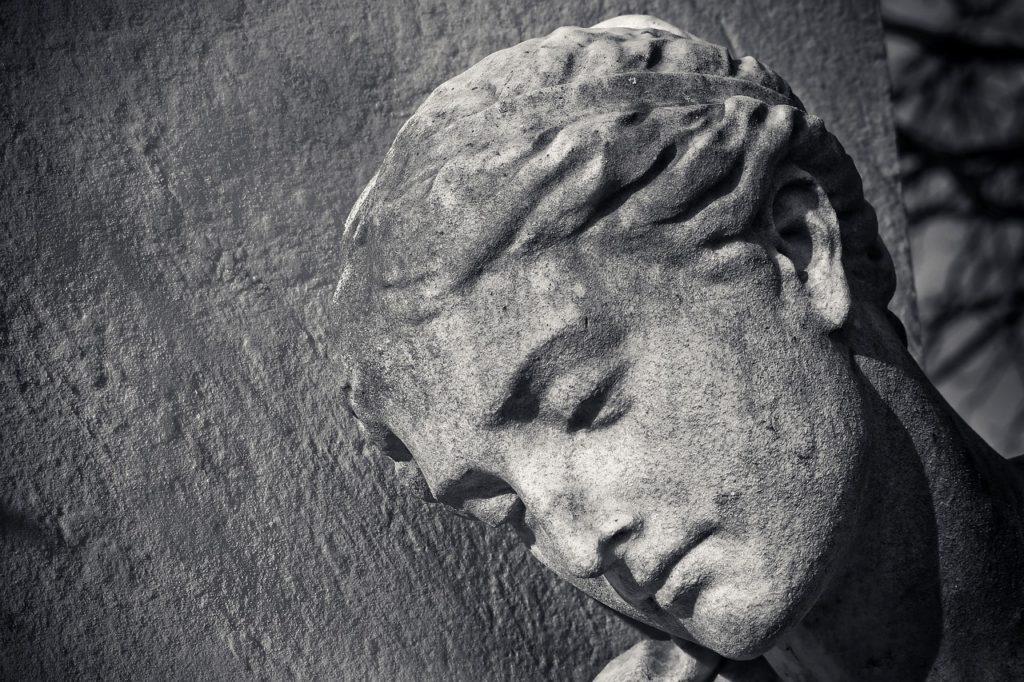 Steven Deschuyteneer Zijn we spirituele wezens in een mishandeld lichaam standbeeld