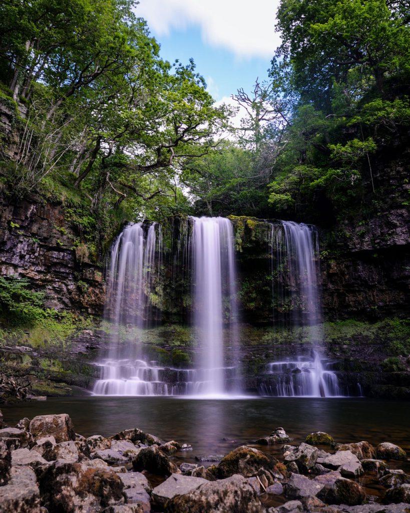 Steven Deschuyteneer Schrijf zelf eens een verhaal hier is het mijne ontwaken waterval