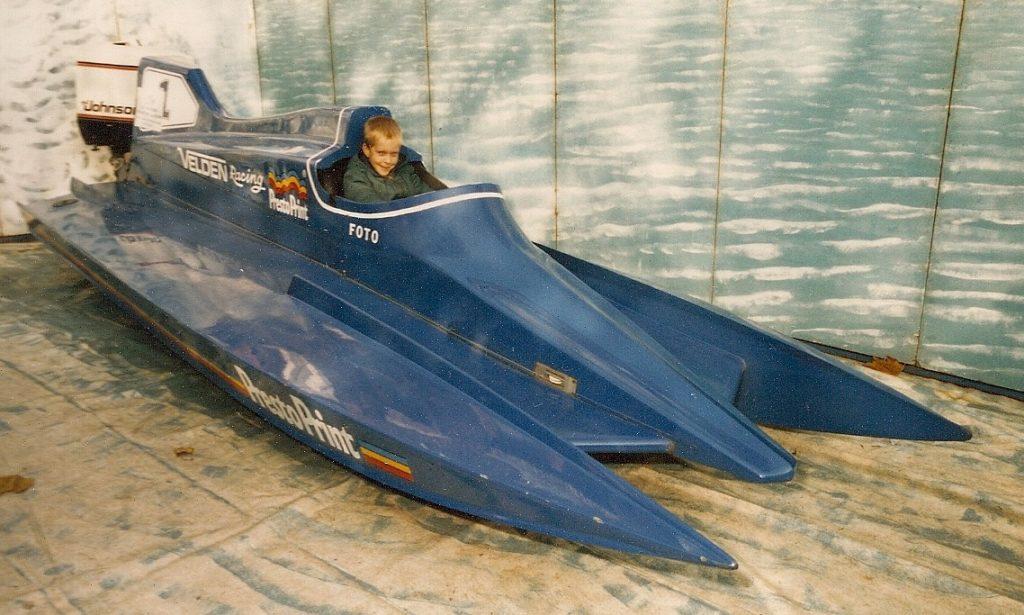 Steven Deschuyteneer Alles wat ik niet kan is omdat ik er niet in geloof Speed boat