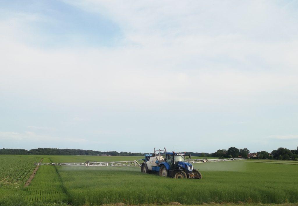 Steven Deschuyteneer Wat te doen tegen overstromingen landbouw pesticieden